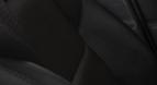 Mustad tekstiilkattega istmed