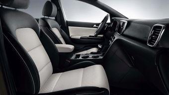 Sēdekļu auduma apdare kombinācijā ar ādas imitāciju GT-Line (MY19)