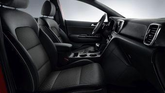 Melns sēdekļu auduma apdare kombinācijā ar ādas imitāciju GT-Line (MY20)